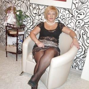 Gisèle, 64 ans et enrobée